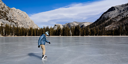 Photo: Trying to skate under the Sierra wave