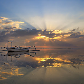 Morning Glory by Dede Dewi - Landscapes Sunsets & Sunrises ( bali, sanur, beach, morning, pwcsunbeams )