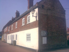 Photo: The reindeer was a large pub in it's day. Situated to take advantage of the canal and railway, the only old road crossing was the Wood-hall lane. It was usurped by the Station Hotel, now also closed.