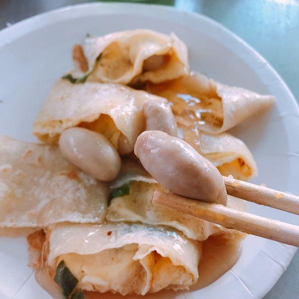 台南超浮誇早餐!上過新聞的雞佛蛋餅丶鮮蚵漢堡XD 蟹堡王早餐店。
