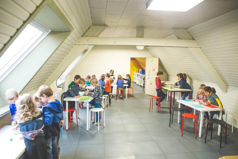 Gluren in Ark 2