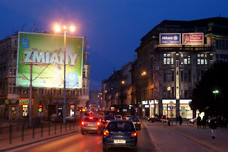 Photo: straatbeeld in de avond