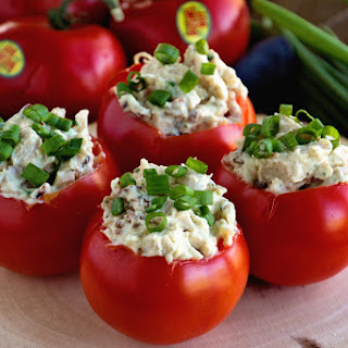 Bacon Ranch Chicken Salad Stuffed Tomatoes