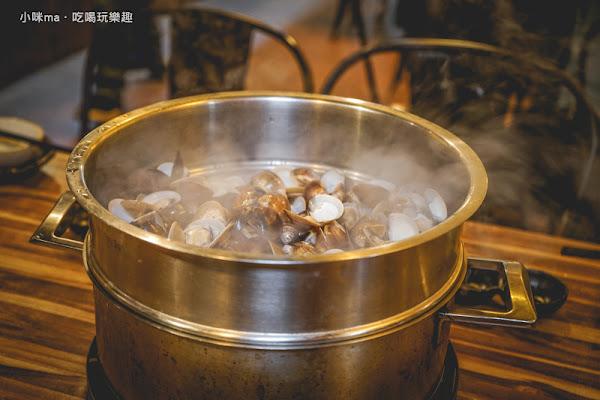 極蜆鍋物 民生社區超夯蜆精鍋搬新家嚕 加入泰式湯頭迸出新風味。和風魚卵山藥細麵 給你華麗的開場。民生社區鍋物