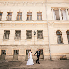 Wedding photographer Aleksandr Starostin (AlexStar). Photo of 07.04.2017