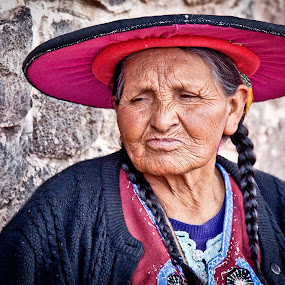 story of her life.. by Dmitry Samsonov - People Portraits of Women ( wrinkles, canon, old, peru, woman, portrait, Emotion, human, people,  )