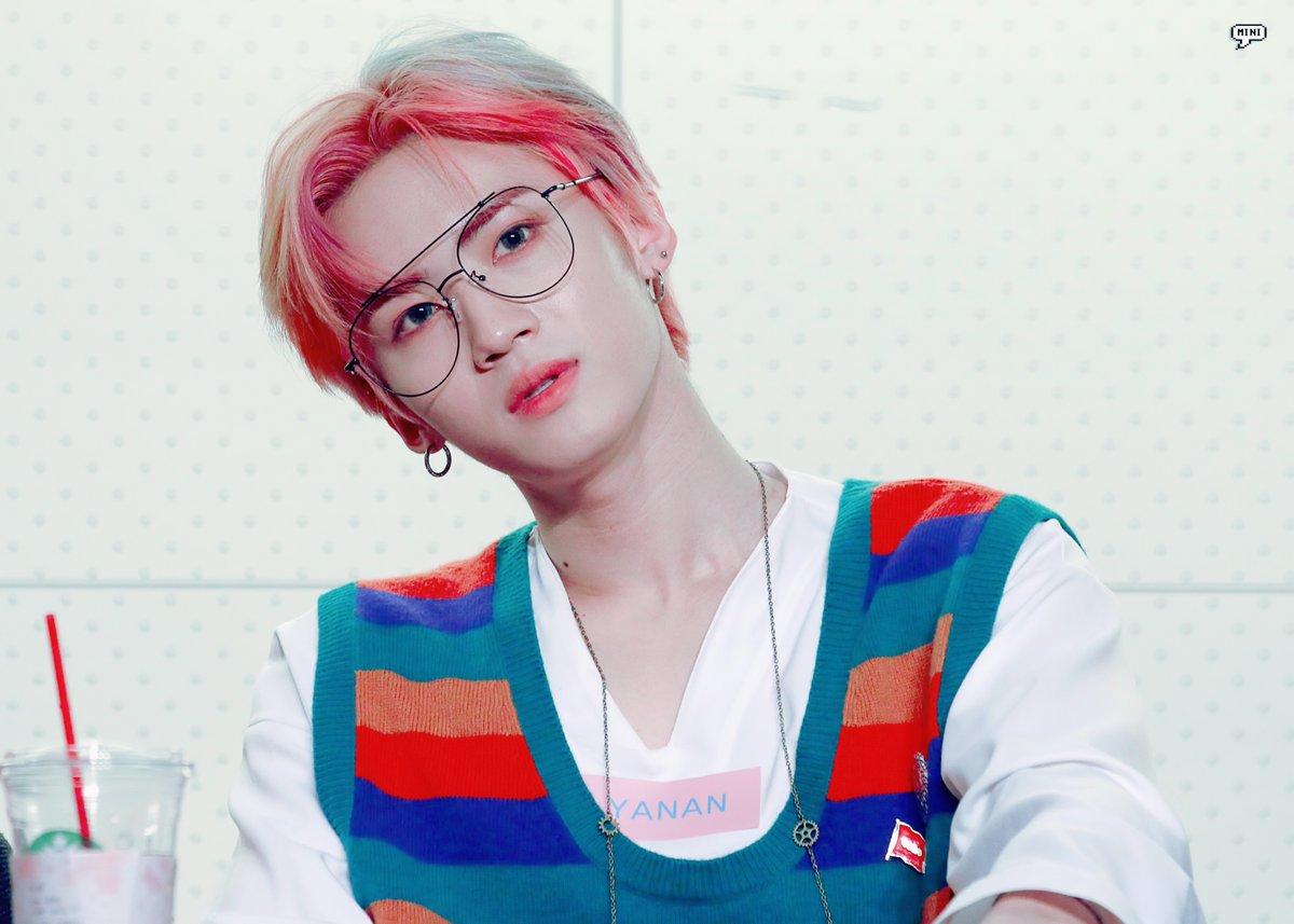 male kpop idol visuals y2