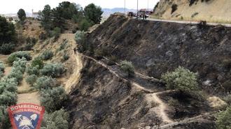 Imágenes del estado en el que ha quedado la ladera tras el incendio.