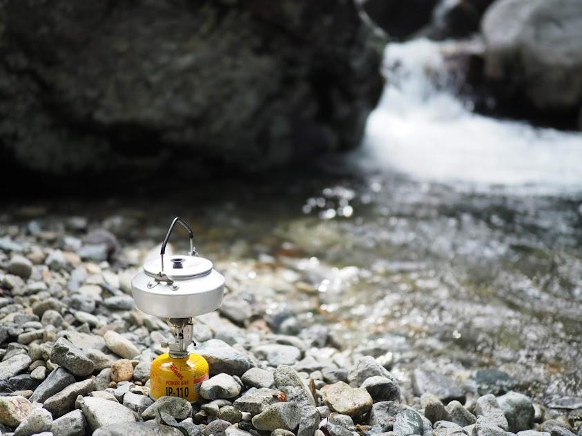 山で湯を沸かす