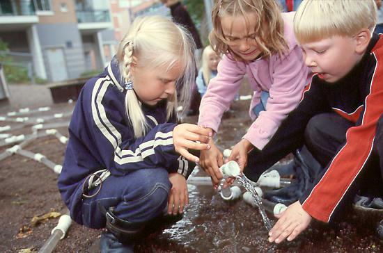 7455860-finland-school-pic.jpg