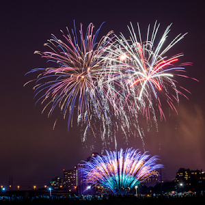 fireworks and stonearch bridge on 4th july 2015 bab-03975.jpg