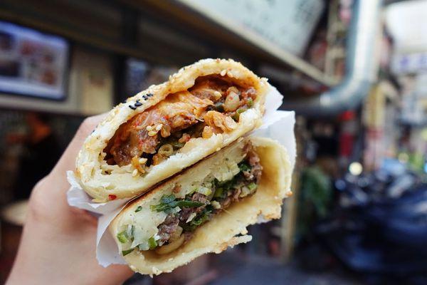 丞祖胡椒餅(北門店)|新竹城隍廟附近飄香超過一甲子的胡椒餅/胡椒餅老店,咬下就爆肉汁的口感讓人一吃就愛上