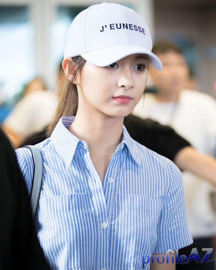 tzuyu in hat 14