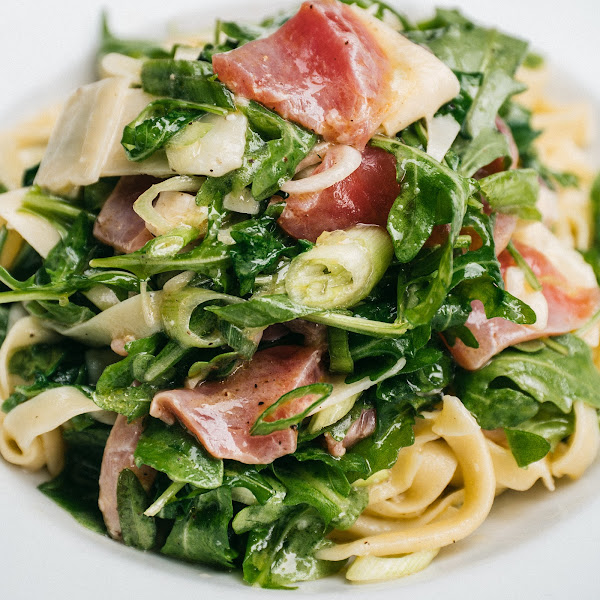 fettuccine with tuna *can sub for gluten-free pasta or zucchini noodles*