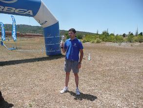 Photo: Antonio recogiendo el trofeo en la Extrema y dura 2009
