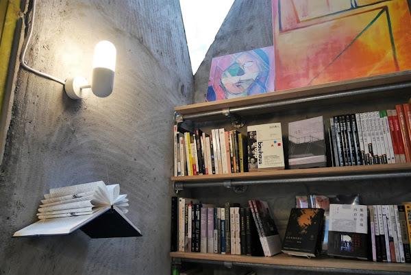 【台北華山文創園區 | 咖啡廳】在書香中與乾燥花下品一杯咖啡✡青鳥Bleu&Book