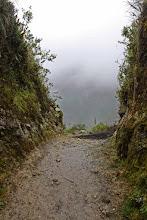 Photo: La puerta. La niebla no nos deja ver nuestro destino Mollepata - Machupichu Semana Santa 2015