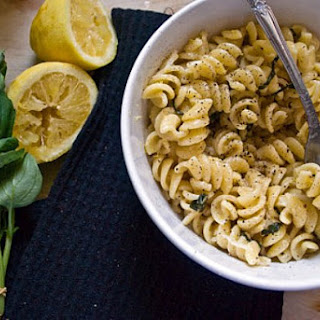 Olive-Oil Lemon Pasta