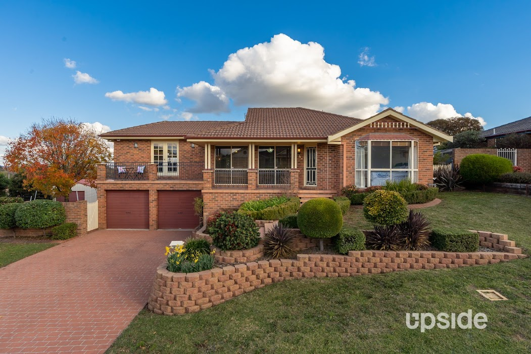 Main photo of property at 4 Booth Crescent, Orange 2800
