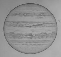 """Photo: Jupiter le 13 avril 2017. Dessinée de 1h15 (haut du dessin) à 2h30 (bas du dessin) HL.  W2=180° pour SEB. T406 à 350X en bino. Le satellite Io est visible à droite, il émerge du cône d'ombre de Jupiter, d'où la forme en """"quartier"""". Bon seeing."""