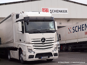 Photo: NEW ACTROS    ---> www.truck-pics.eu