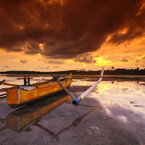 kala senja di pantai mudong  by ANdi Khoebill - Landscapes Travel