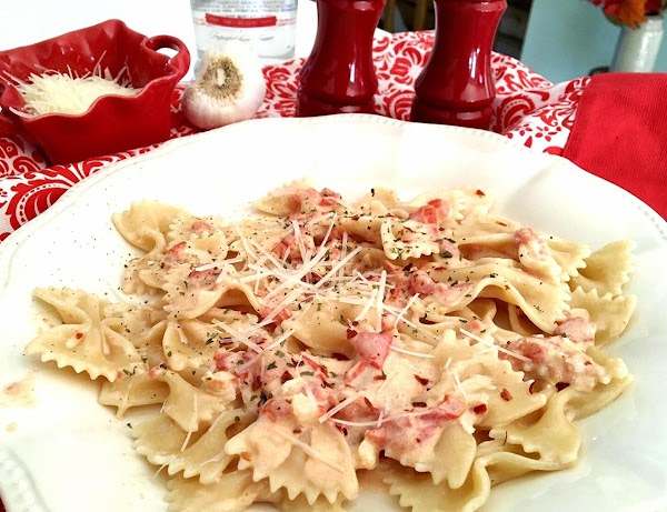 ~ Farfalle In Creamy Parmesan Vodka Sauce ~ Recipe
