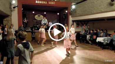 Video: Folkloreček v podání Kosaček