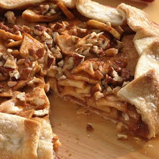 Cinnamon-Apple Crostata.