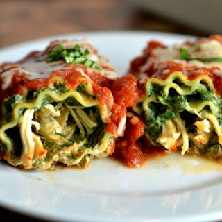 Lasagna Rollups with Spinach & Chicken {Freezer Meal}