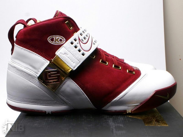 new concept aa215 f56c1 Nike Zoom LeBron V Christ The King Away PE from HoH ...