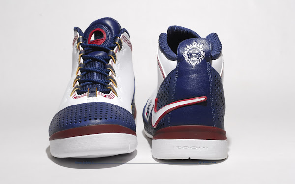 Brand new look at the Nike Zoom Soldier II details