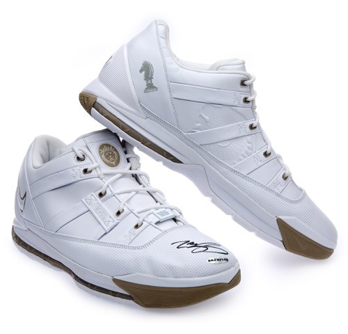 New autographed Nike Zoom LeBrons available at Upper Deck