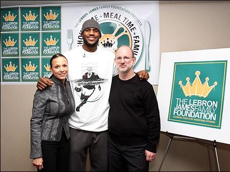 LeBron James Family Foundation Host Thanksgiving