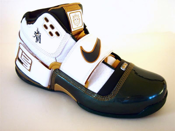 Another look at the SVSM Nike Zoom LeBron Soldier