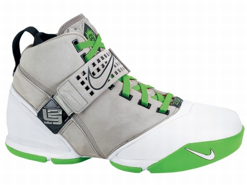 bcbebdb213ed Nike Zoom LeBron V Dunkman Edition Coming Soon ...