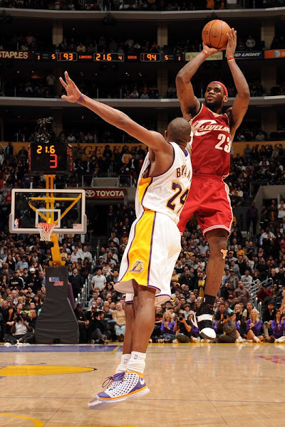 200708 NBA Season CLE vs PHX at LAL LeBron Outduels Kobe