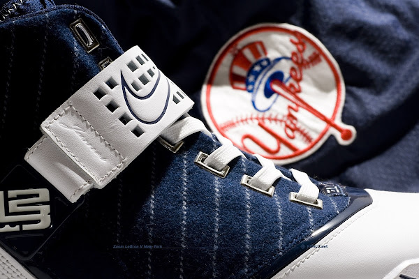 Nike Zoom LeBron V New York Yankees Showcase