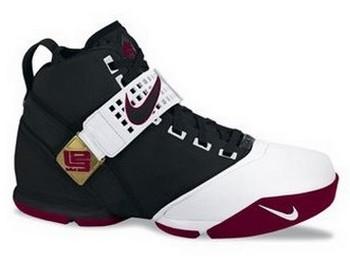 Nike Zoom LeBron V BlackWhiteRed REvolution