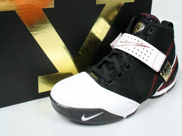 Another look at the Black White and Red Zoom LeBron V