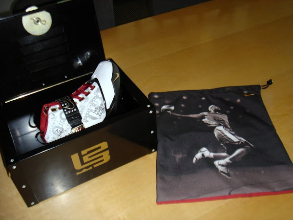 Zoom LeBron V 8220Mr Basketball8221 Special Packaging Preview