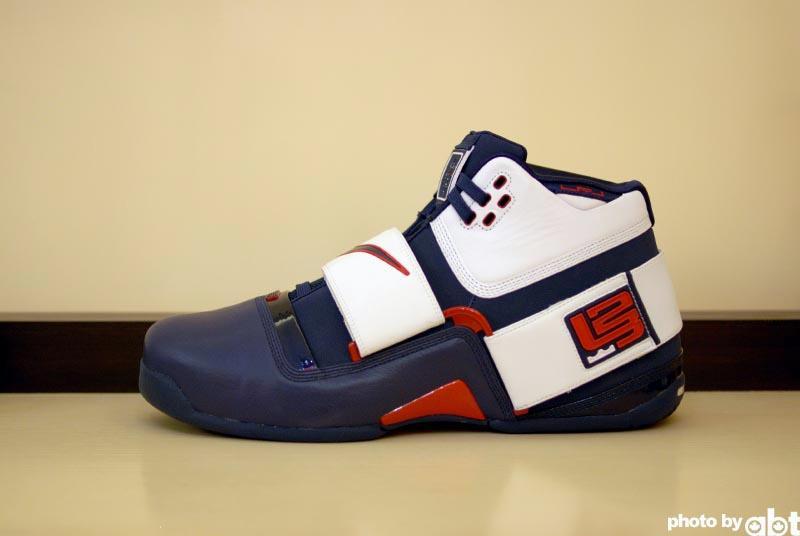 Nike Zoom LeBron Soldier Olympic Player Exclusive | NIKE ...