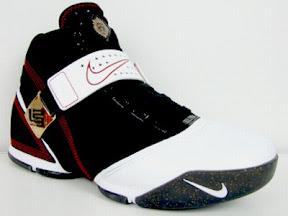 a26645346416 Nike Zoom LeBron V Black