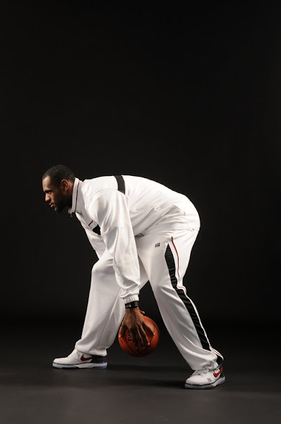 LeBron signs sponsorship deal with State Farm Insurance