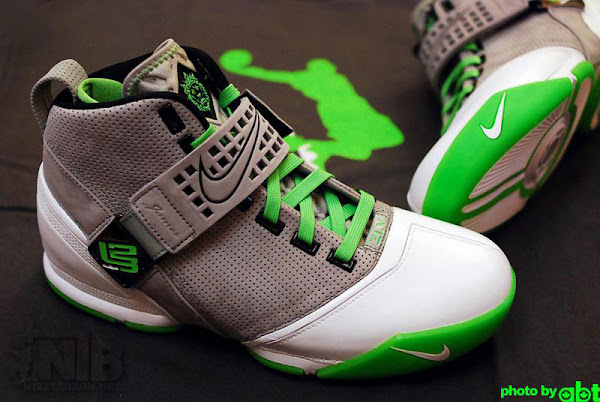 Zoom LeBron V 8220DUNKMAN8221 First Detailed Look