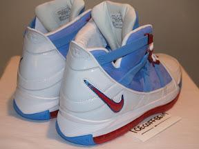 e2d2b9ddc7e Nike Zoom LeBron III Houston Oilers PE