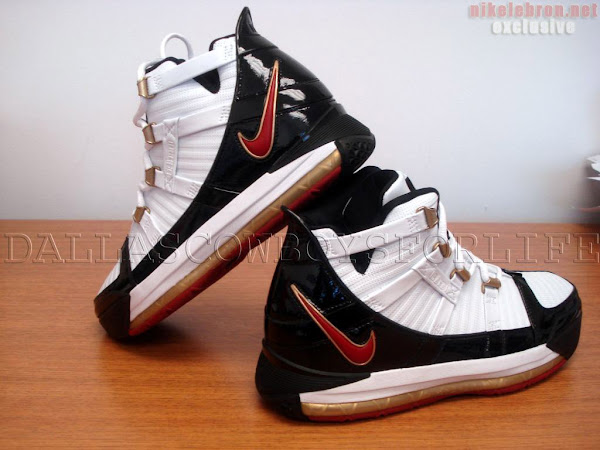 Zoom LeBron III Black Remix