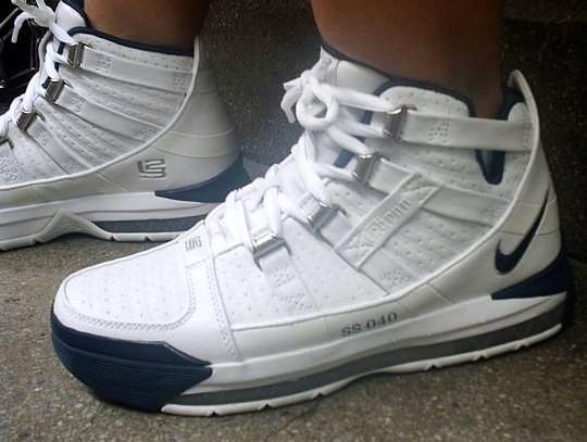 Nike Zoom LeBron III LBJ23 samples