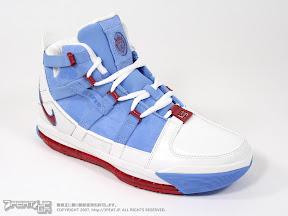 87d8bab512d Nike Zoom LeBron III Houston Oilers PE