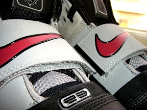 lbj soldier og blk gry red3 4 A look at the Black, Gray and Red LeBron Soldier